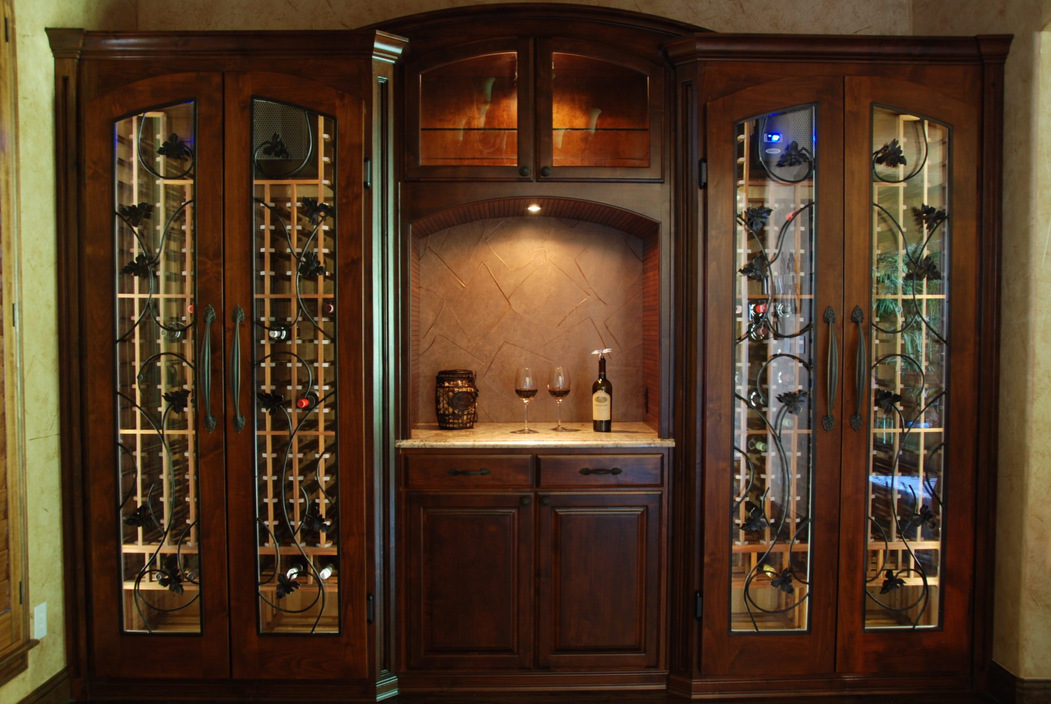 wine cellars wine cabinets wine furniture wine storage. Black Bedroom Furniture Sets. Home Design Ideas